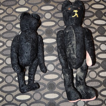 Small Black Mohair Bears...please help me figure out maker, thank you!