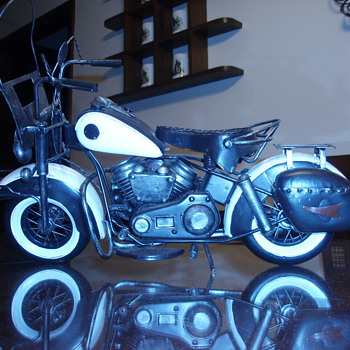 made of Tin Mortorcycle - Model Cars