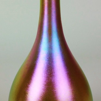 Early Quezal Teardrop Vase. - Art Glass