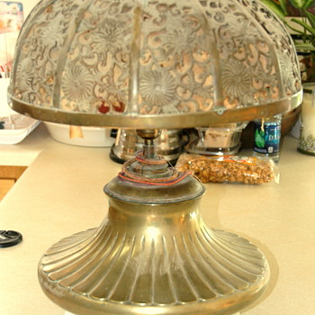 Unmarked Brass Oil Lamp Converted To Electricity - Lamps