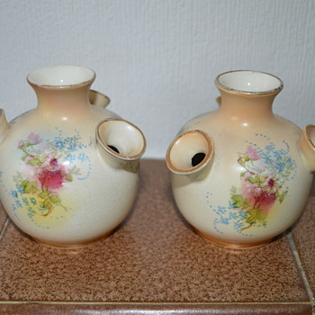 Fieldings' Royal Devon small vases