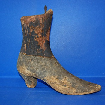 Wood Shoes Form early 1900