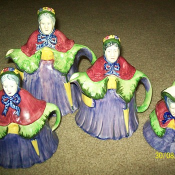 old lady tea set