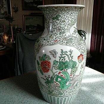 Large Chinese Famille Verte Vase / Hong Kong-Kangxi Nian Zhi Mark /Circa 1960 - Asian