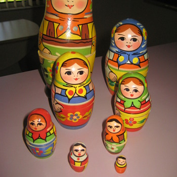Russian? nesting dolls - Toys