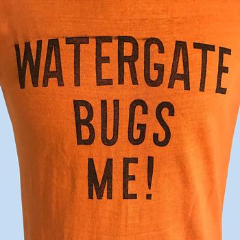 Original 1973 WATERGATE BUGS ME T-Shirt Anti-Nixon
