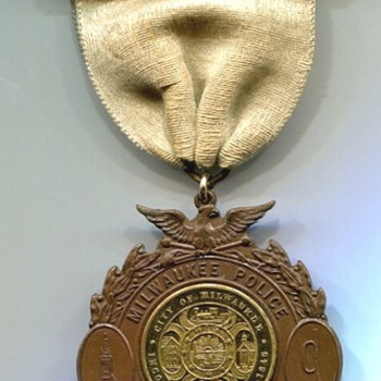 Milwaukee Police Dept. Band Medal - Medals Pins and Badges