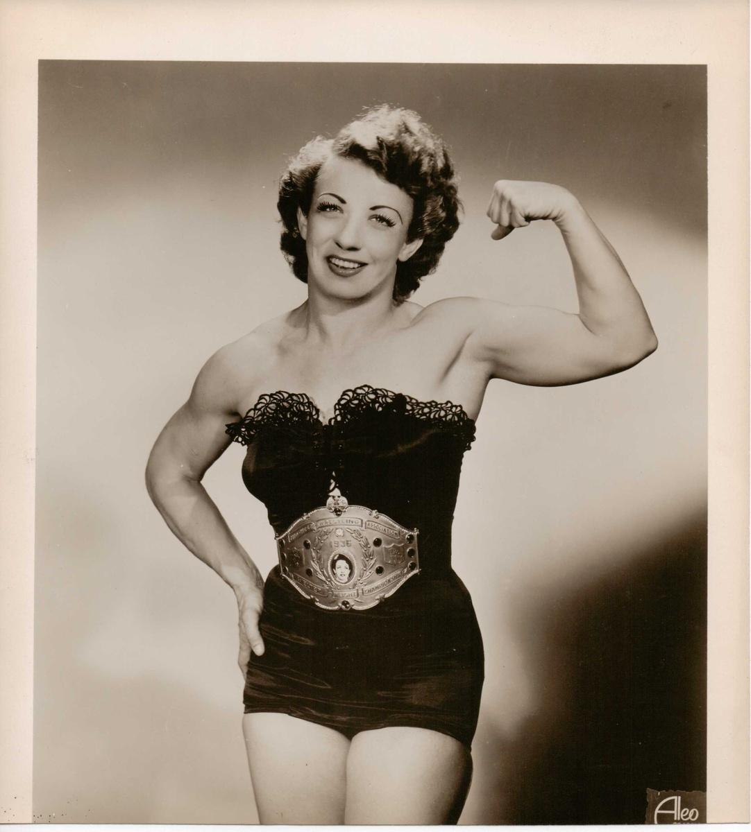 Vintage Girl Wrestler Photos Pre 1940 Collectors Weekly