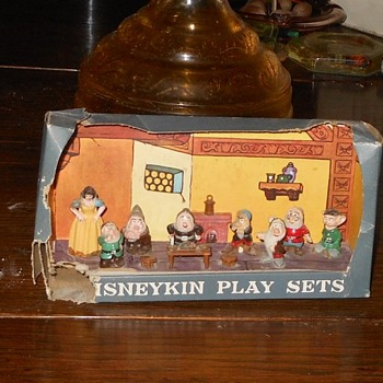 Marx Disneykin Snow White and the 7 Dwarves Play Set - Toys