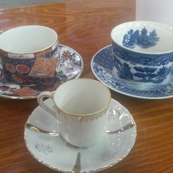Coffee Cups & Saucers - China and Dinnerware
