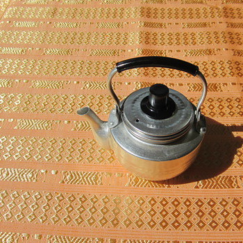 Aluminum & stainless steel teapot - Kitchen