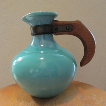 Franciscan Ware Turquoise Carafe Server, missing lid.