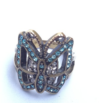 butterfly Art Deco ring ?