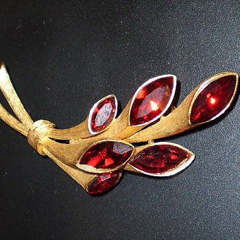 Kramer Pin - Costume Jewelry