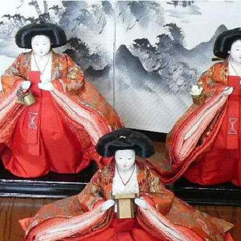 The Empress' Handmaids - Dolls