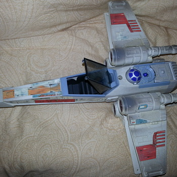 1995 Star Wars R2D2 X Wing Fighter Jet