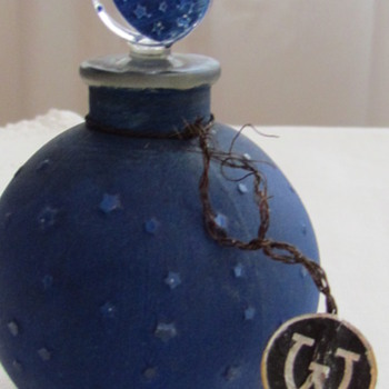 Rene Lalique Dans la Nuit Boule Perfume Bottle for Les Parfums Worth - Art Glass
