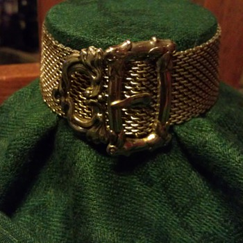 Victorian mesh buckle sliding bracelet