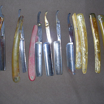 Collection of old Razors - Accessories