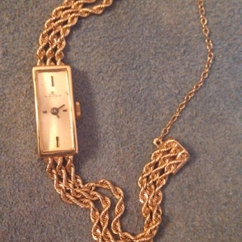 Can you tell me more?  1977 14K gold rope chain.