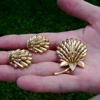 Trifari Flower Brooch and Earrings - Costume Jewelry