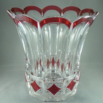 VAL ST. LAMBERT , red cut to clair , crystal vase created by JOSEPH SIMON 1926 - Art Glass