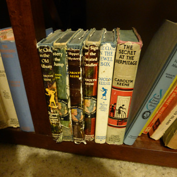 Small Collection of 1930's Nancy Drew Books - Books