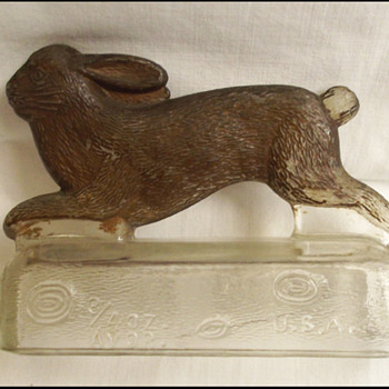 RUNNING RABBIT GLASS CANDY CONTAINER
