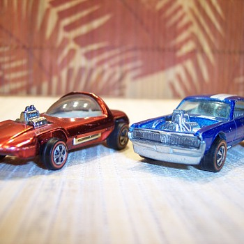 More fun Hot Wheels - Model Cars