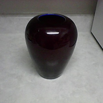 OX BLOOD GLASS VASE - Art Glass