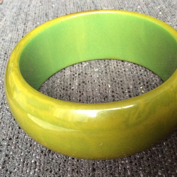 Moss green bakelite bangle - Costume Jewelry