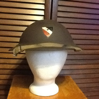 Flakhelfer helmet? - Military and Wartime