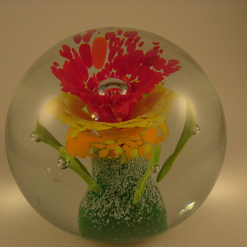 Gorgeous Art Glass Paperweight