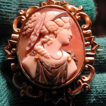 Rare commesso cameo of the goddess of fortune - Victorian Era