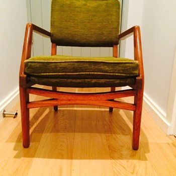 MCM gorgeous armchairs, anyone know the makers mark?  - Furniture