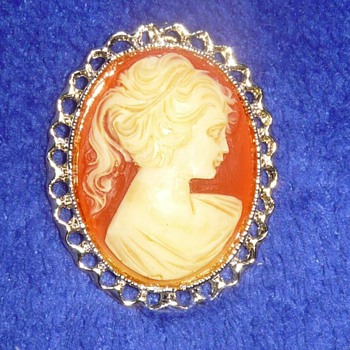 CAMEO BROOCH