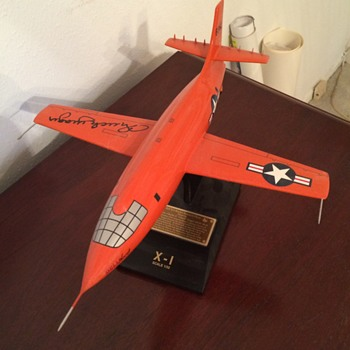 BELL X-1 ROCKET RESEARCH PLANE / CHUCK YEAGER