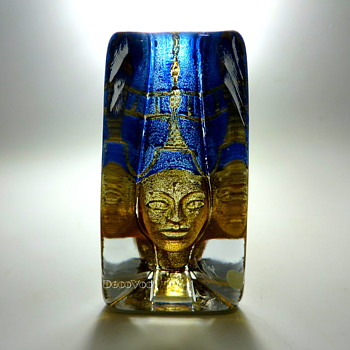 "Kosta Art Glass ""Pharoah"""