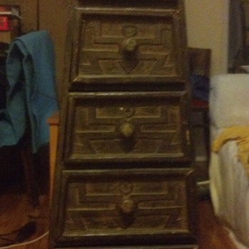 Primitive/Folk (?) Chest of Drawers - Furniture