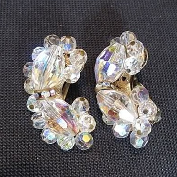 Alice Caviness Earrings & Brooch, Aurora Borealis - Costume Jewelry