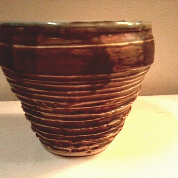 "A Little More ""Lois"" Van Vleet / Cache Pot /Circa 2006 - Art Pottery"