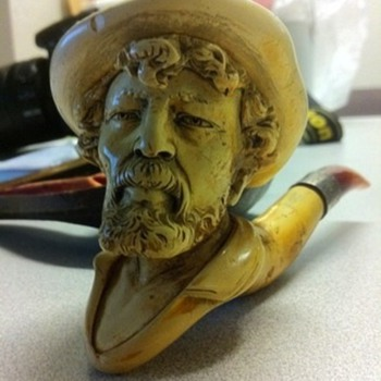 My Old (at least 150 yrs old) Meerschaum Pipe
