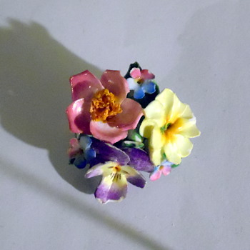 Porcelain or China flower brooch pin