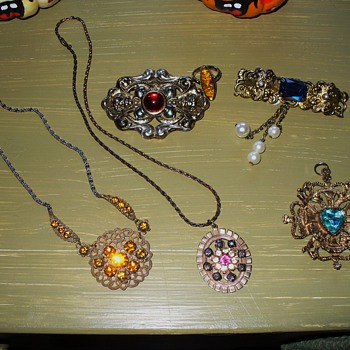 Estate Costume Jewelry Lot - Costume Jewelry