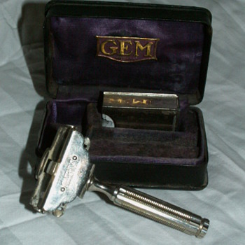 Antique Gem Shaving Razor