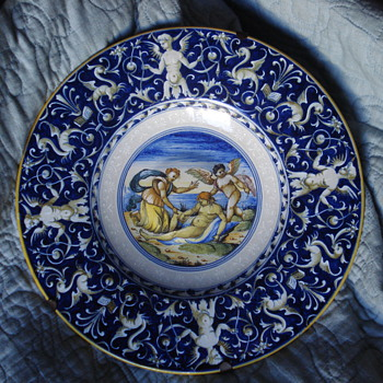 Renaissance earth ware Italian hand painted plate in the manner of Cantagalli - Art Pottery