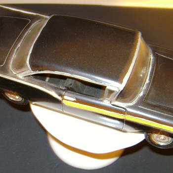 1957 Ford Fairlane Model Car - 1/24 Scale