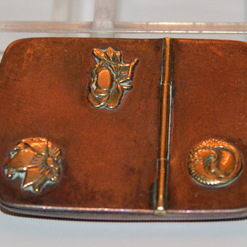 Mixed Metal Snuff Box? Meiji Era? - Tobacciana