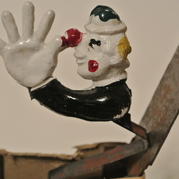 1940's Chesterfield Cigarettes Advertisement - Ceramic Clown Pop-Up