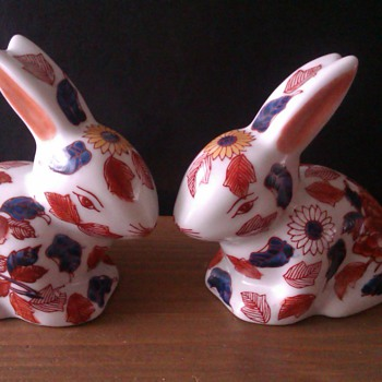Two (Imari?) rabbit&#039;s